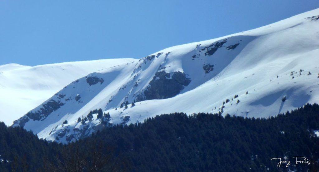 Panorama 3 1024x555 - Abril, sol, nieve, confinamiento, Cerler.