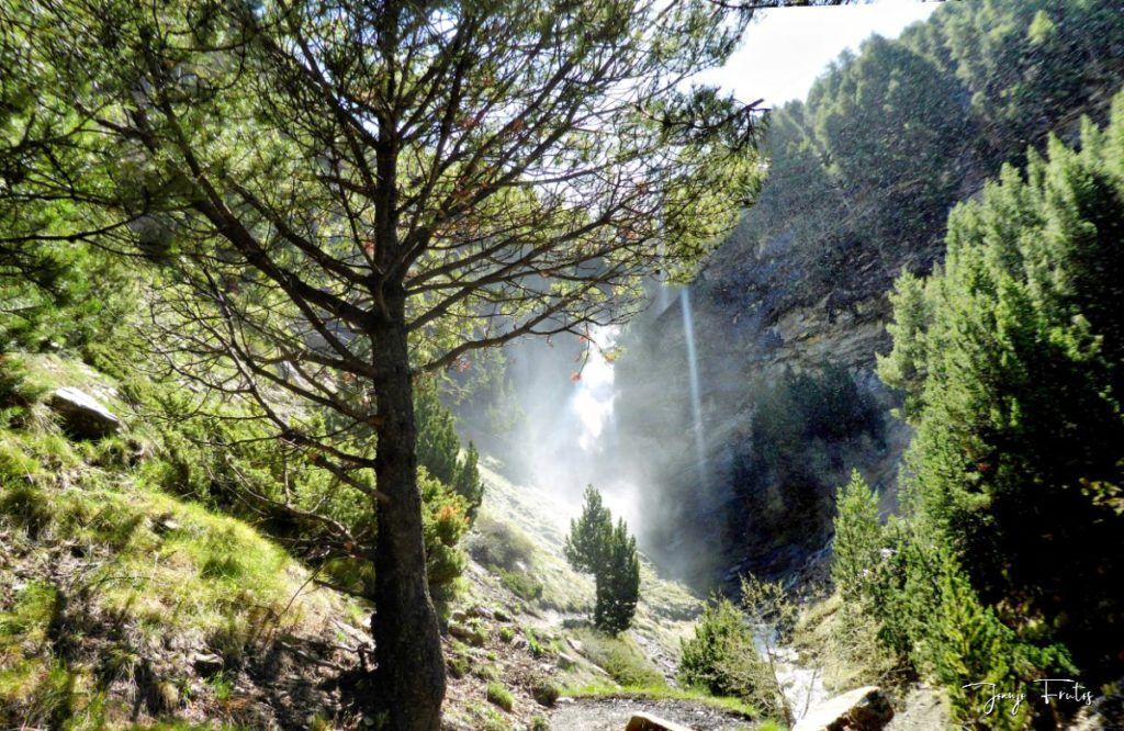 Panorama 2 fhdr 001 1 1024x666 - Las Tres Cascadas de Cerler.