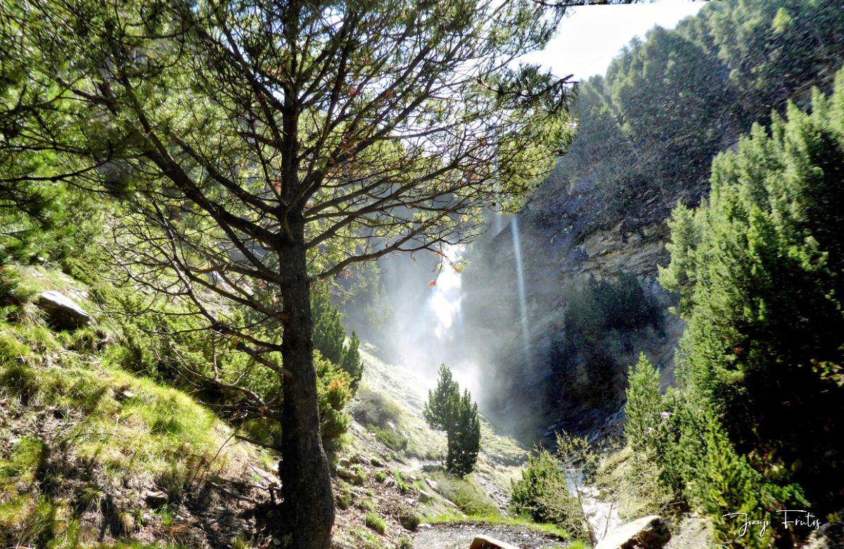 Panorama 2 fhdr 001 - Las Tres Cascadas de Cerler.