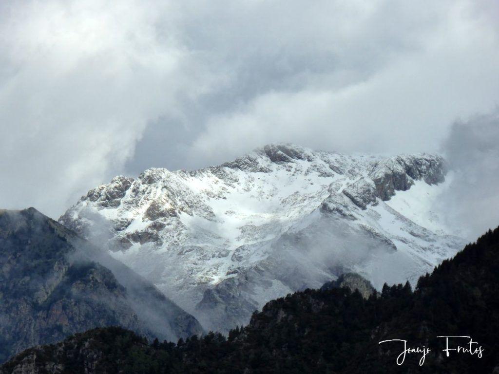 P1330463 1024x768 - Cerler Junio nevado con normalidad