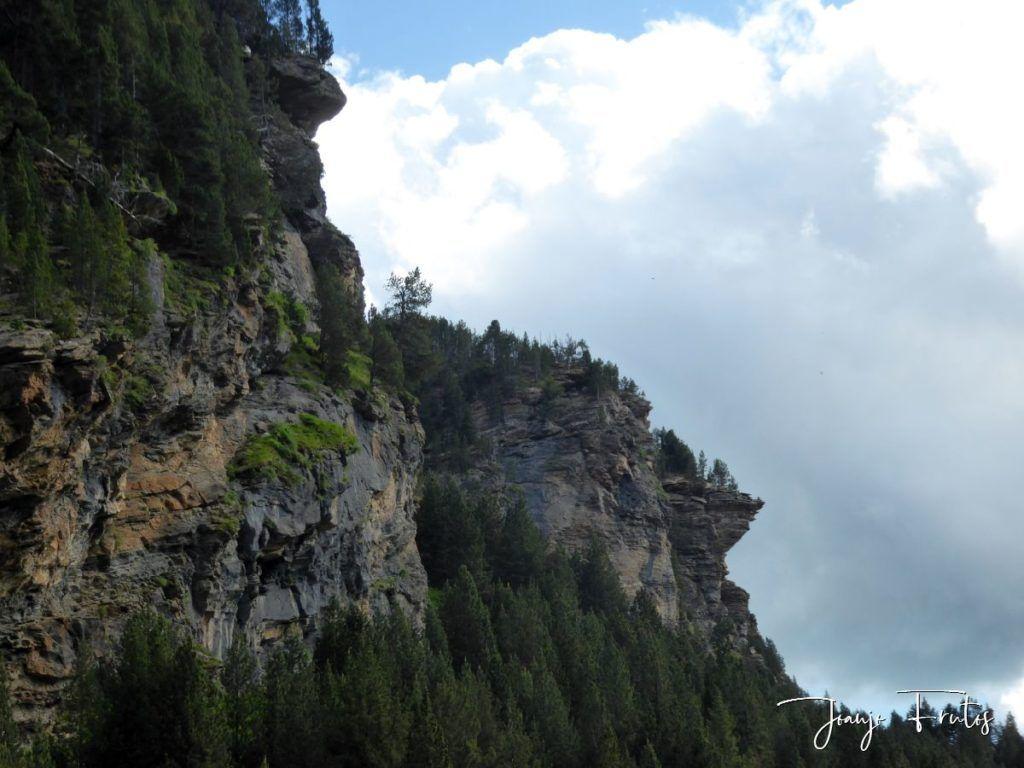 P1330623 1024x768 - Empezamos verano cascadas y setas
