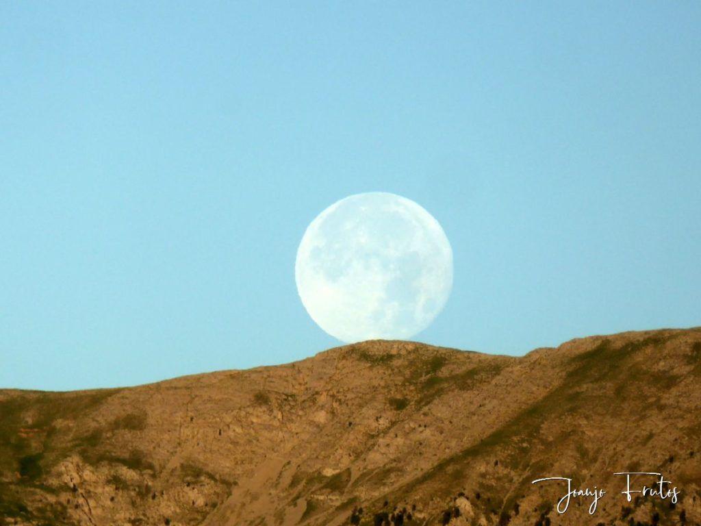 P1330811 1024x768 - Amanecer de Luna Llena de Julio.