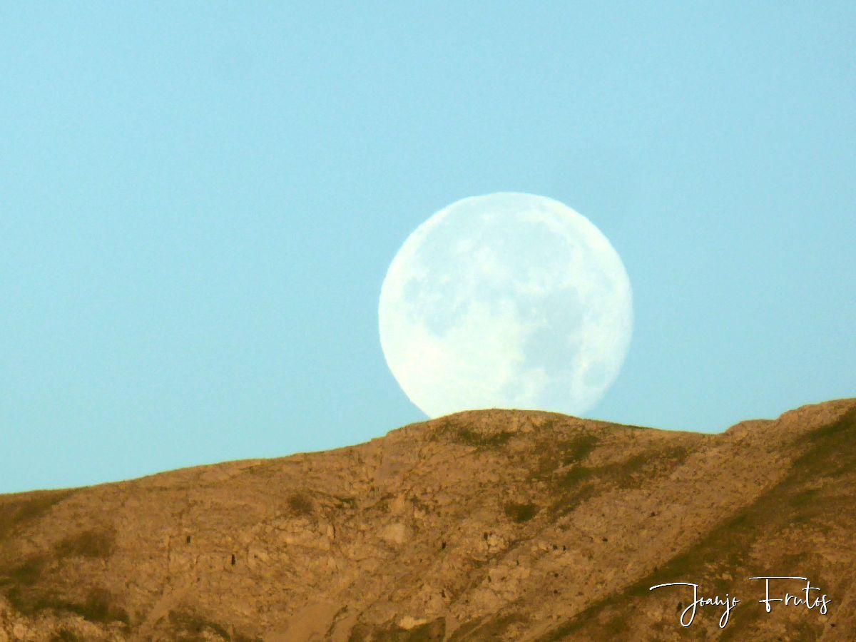 P1330813 - Amanecer de Luna Llena de Julio.