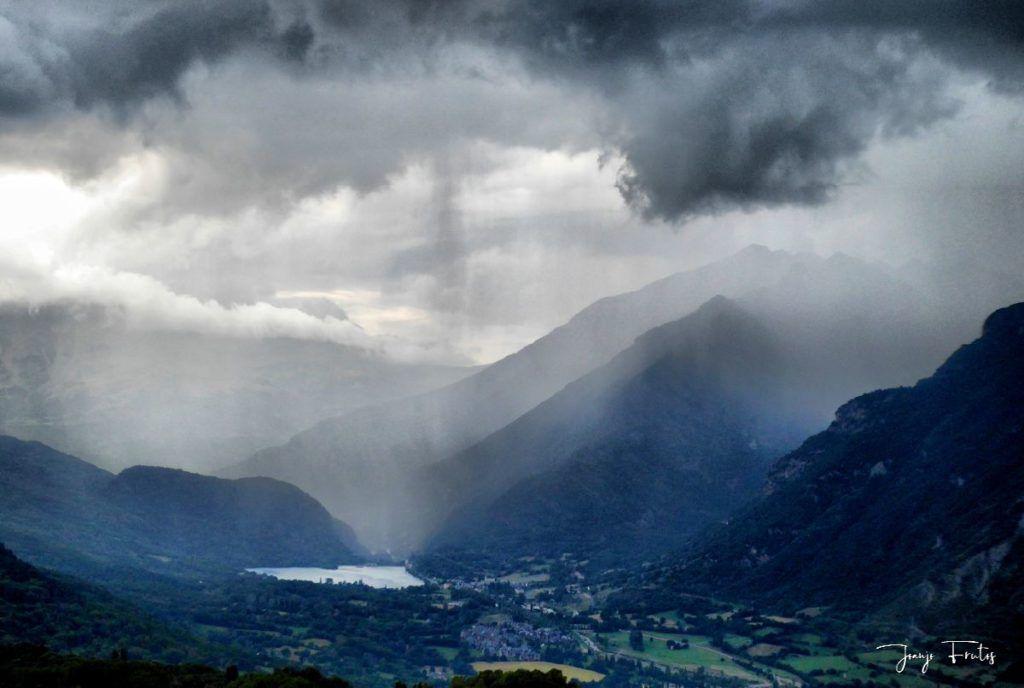 P1330850 fhdr 001 1024x688 - En Cerler tormenta y sombras.