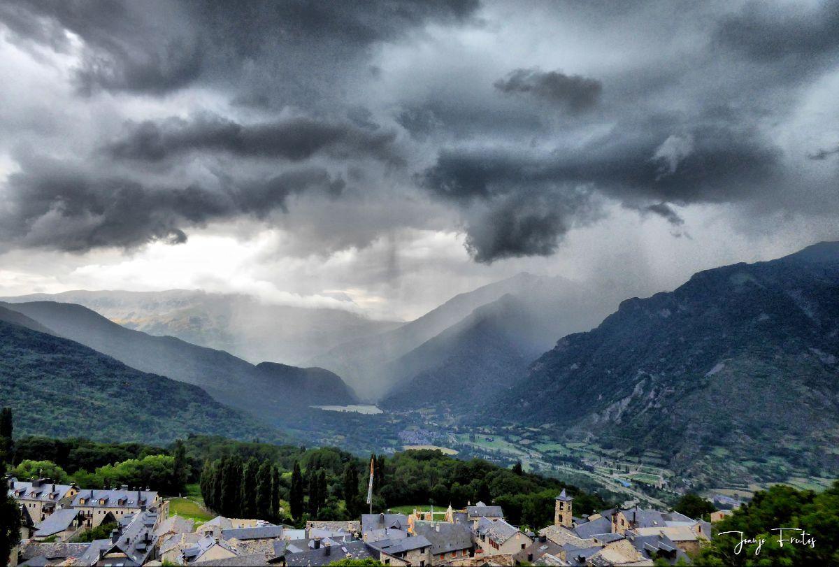 P1330851 fhdr 001 - En Cerler tormenta y sombras.