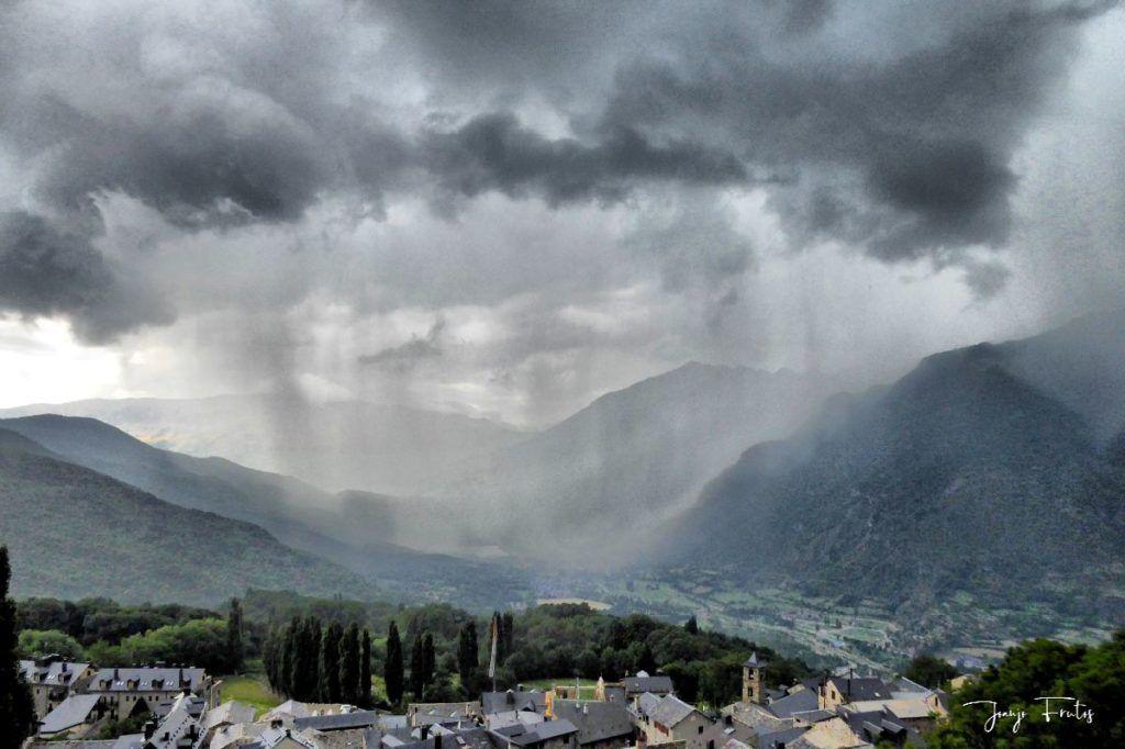P1330859 fhdr 001 1024x682 - En Cerler tormenta y sombras.