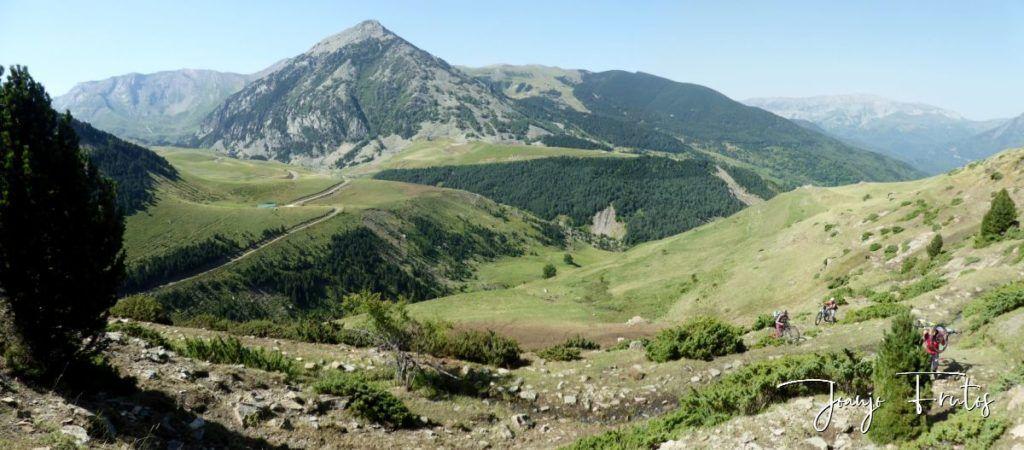 Panorama 1 2 1024x450 - Enduro en senderos Valle de  Benasque