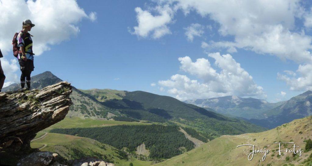 Panorama 3 1024x546 - Disfrutamos los senderos de Cerler