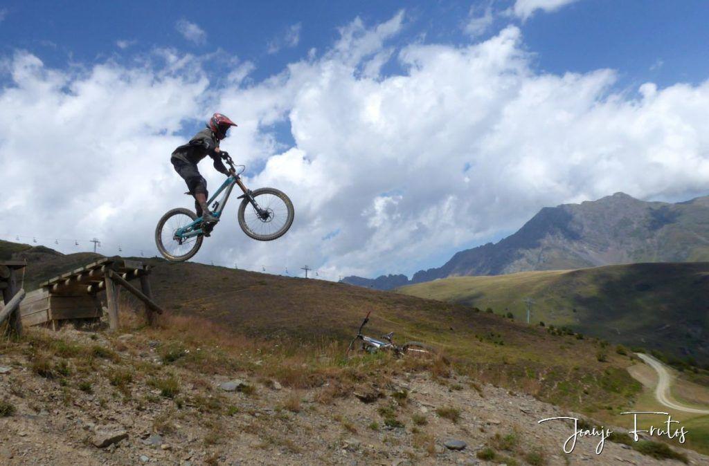 P1340180 1024x674 - BikePark de Saint Lary.