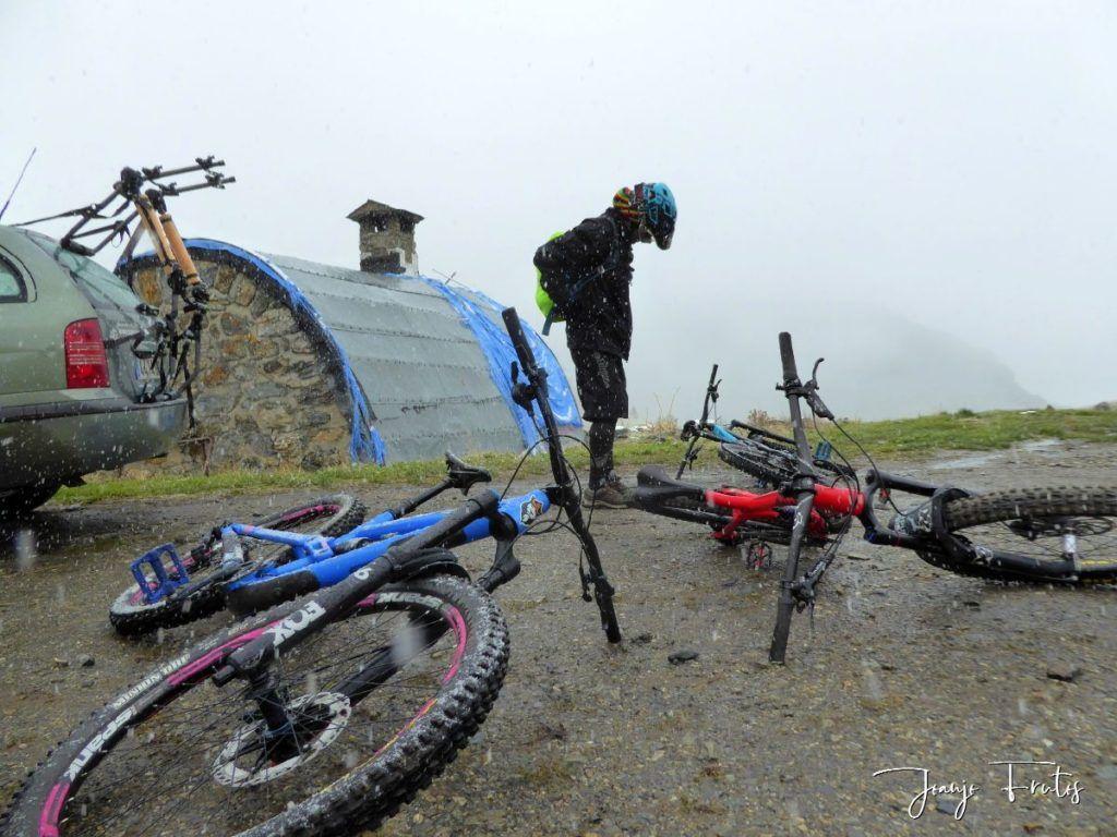 P1350079 1024x768 - Nieve y bike en Cerler.