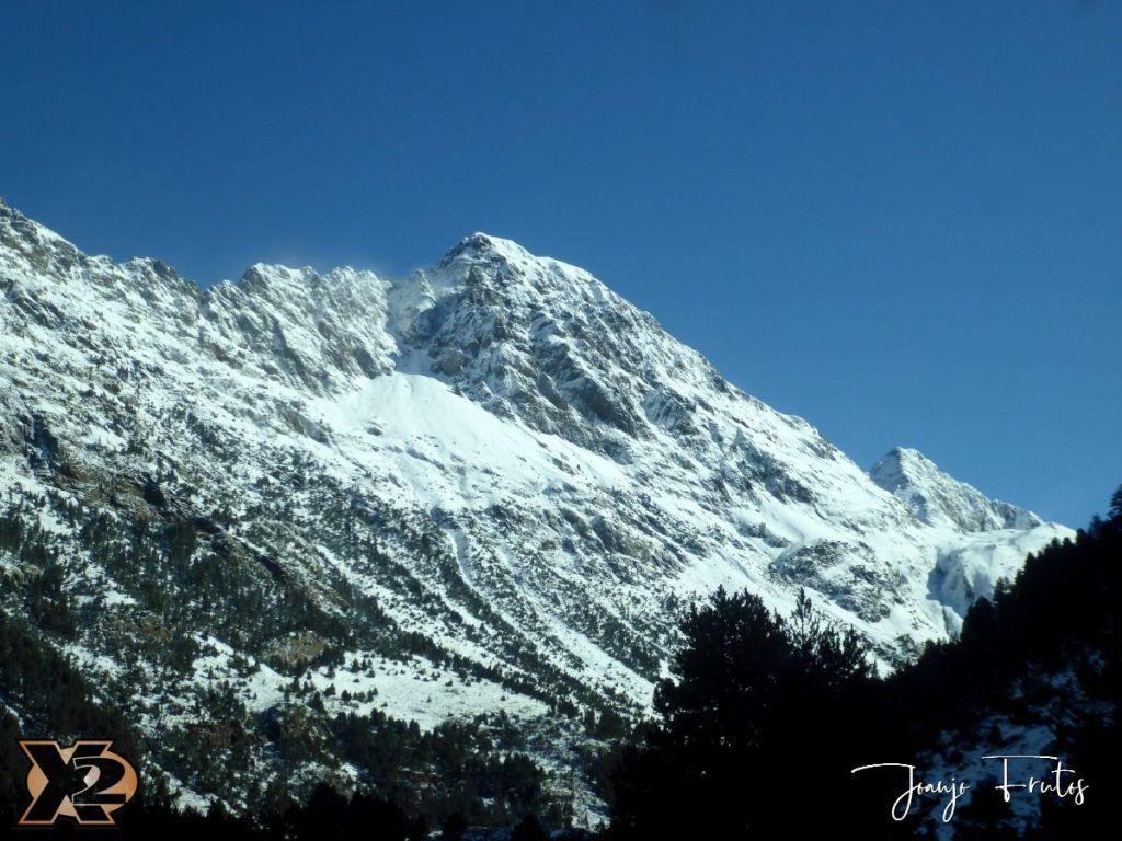 P1350336 1024x768 - La Besurta nevada en octubre.