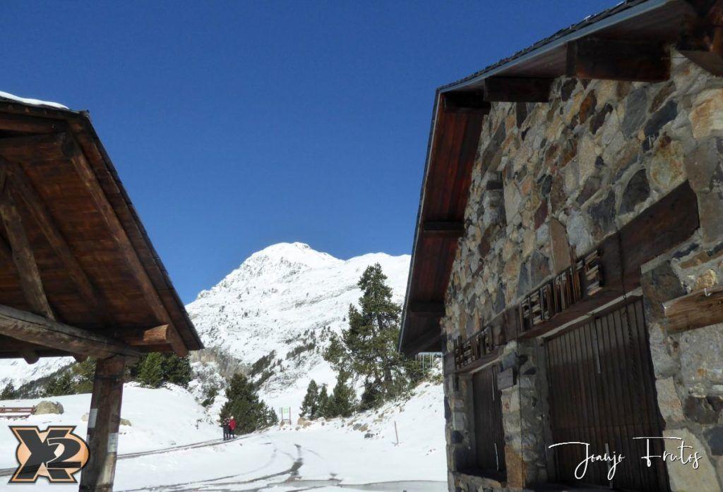 P1350355 1024x698 - La Besurta nevada en octubre.