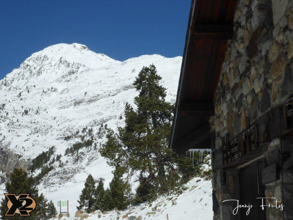 P1350356 1024x768 - La Besurta nevada en octubre.