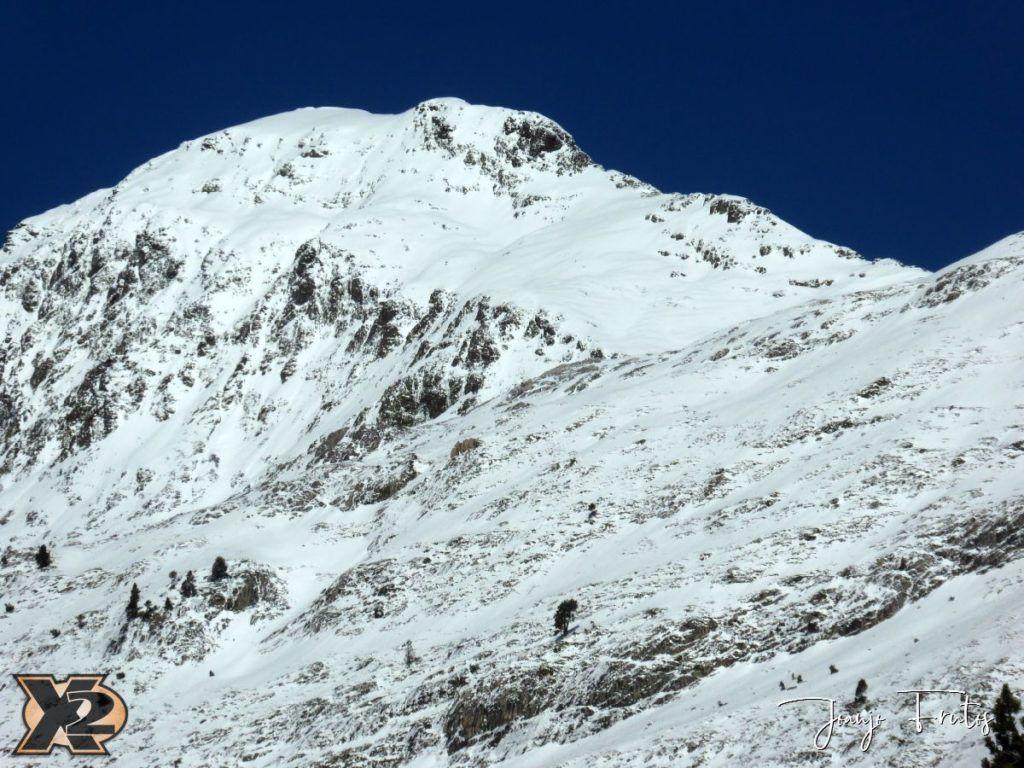 P1350357 1024x768 - La Besurta nevada en octubre.