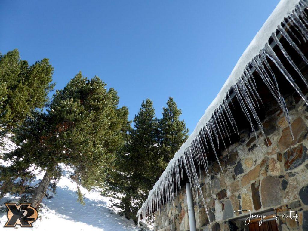 P1350368 1024x768 - La Besurta nevada en octubre.