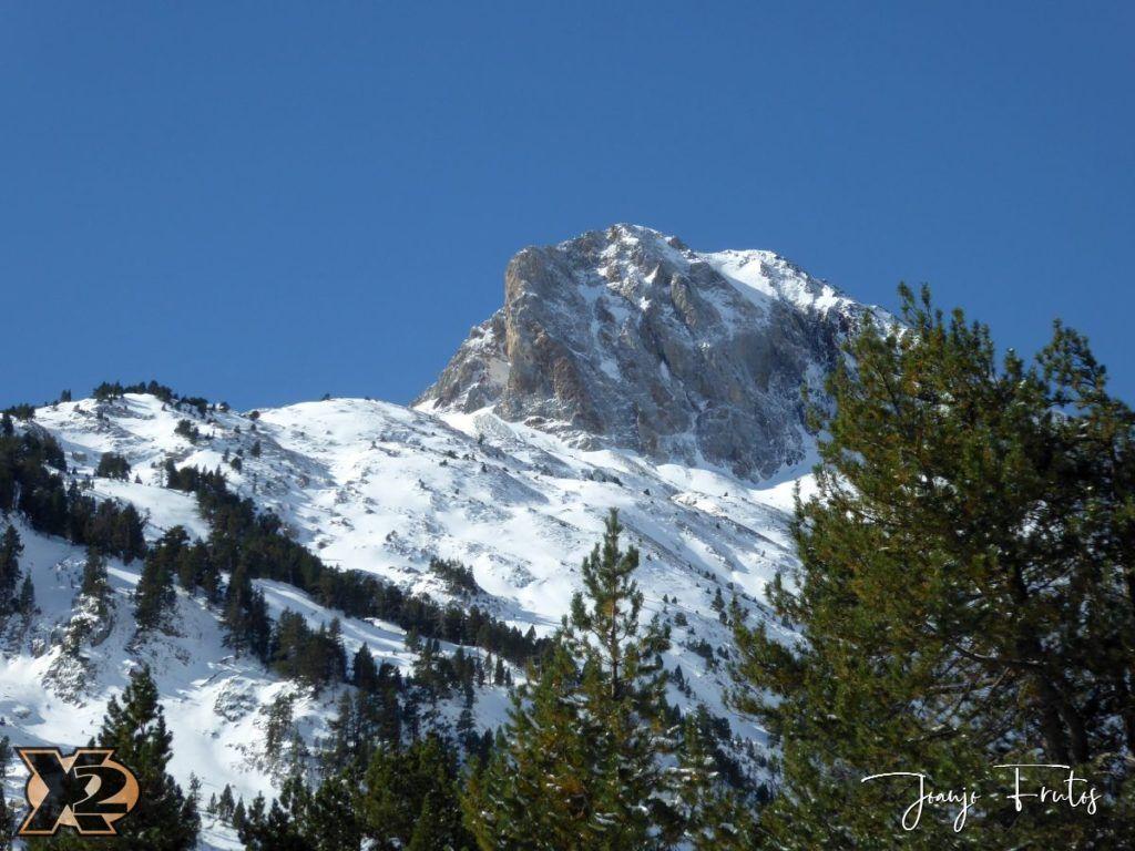 P1350370 1024x768 - La Besurta nevada en octubre.