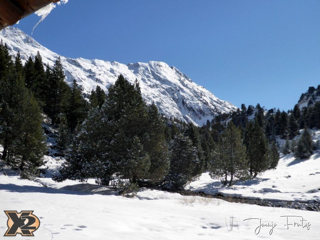 P1350373 1024x768 - La Besurta nevada en octubre.