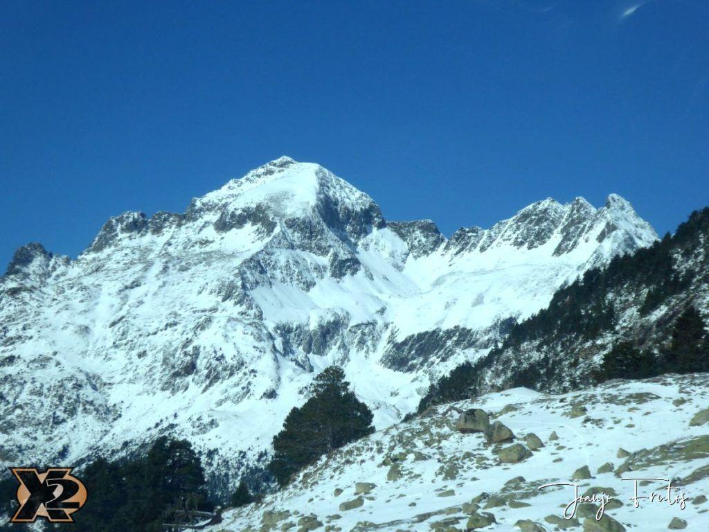 P1350374 1024x768 - La Besurta nevada en octubre.