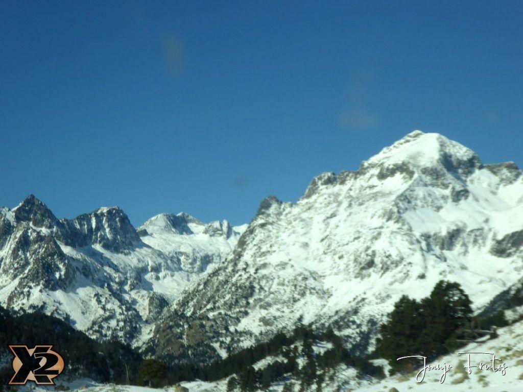 P1350375 1024x768 - La Besurta nevada en octubre.