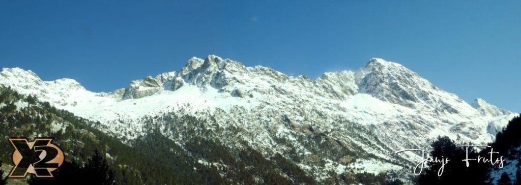 Panorama 4 1024x364 - La Besurta nevada en octubre.