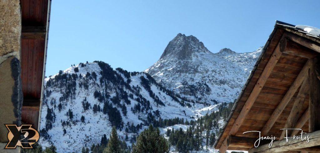 Panorama 5 1024x492 - La Besurta nevada en octubre.