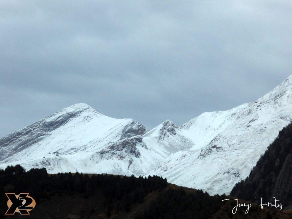 P1360191 1024x768 - Endureando senderos del Pirineo.
