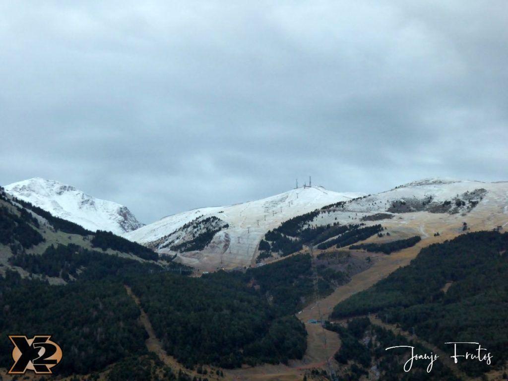 P1360193 1024x768 - Endureando senderos del Pirineo.
