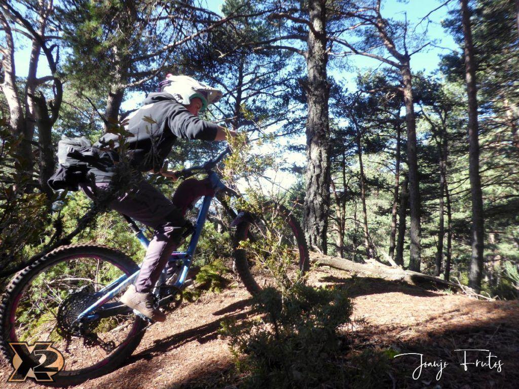 P1360213 1024x768 - Endureando senderos del Pirineo.