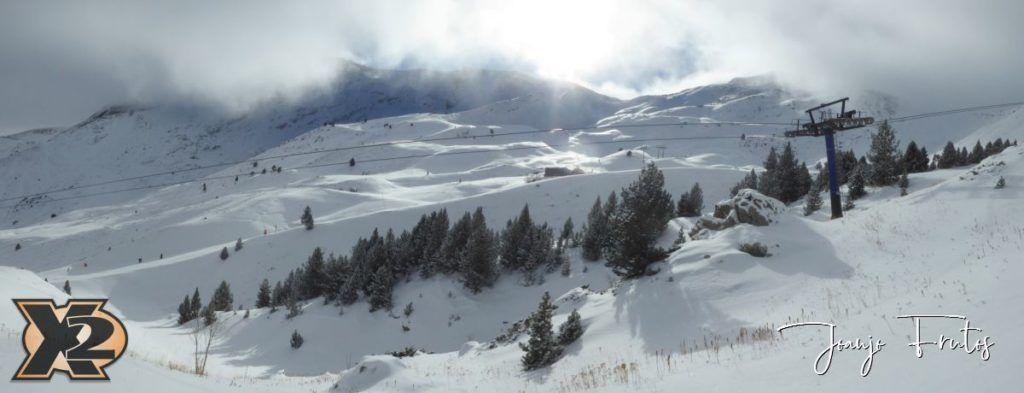 Panorama 1 5 1024x393 - Bosques en medio de Cerler.