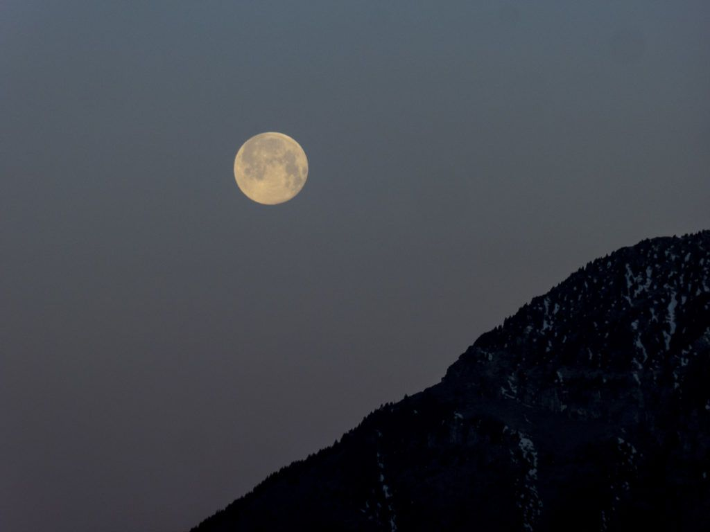 P13800551 1024x768 - Amanecer de Luna llena