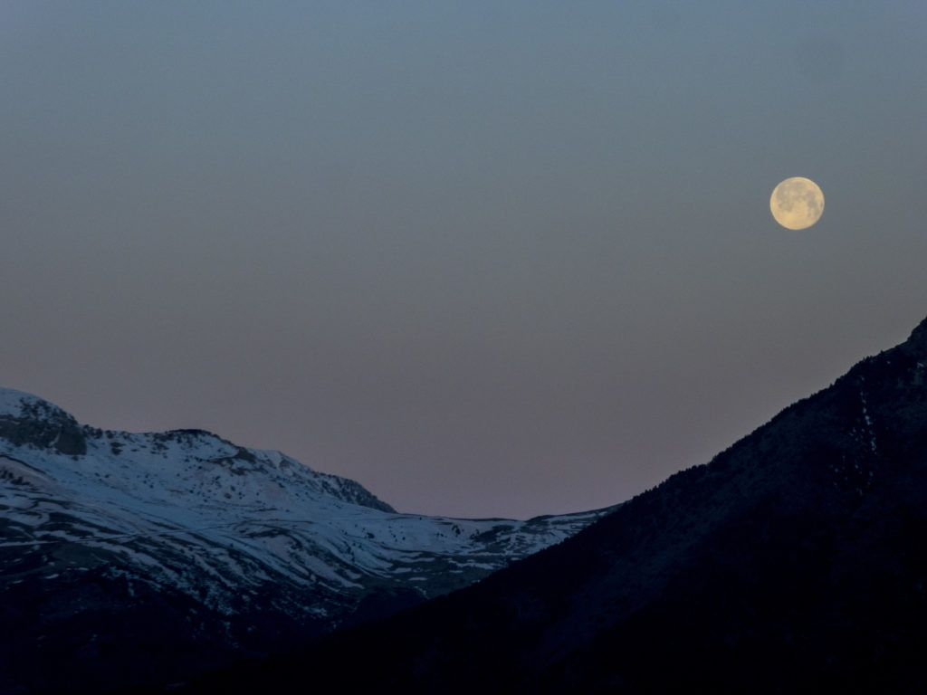 P13800581 1024x768 - Amanecer de Luna llena