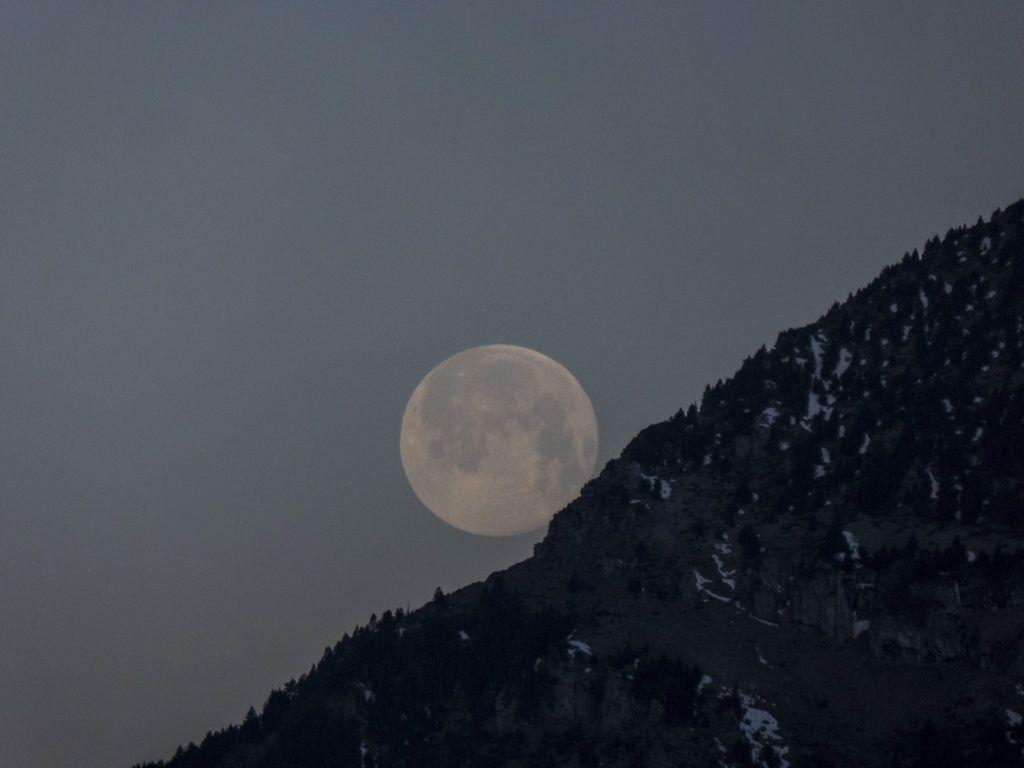 P13800641 1024x768 - Amanecer de Luna llena
