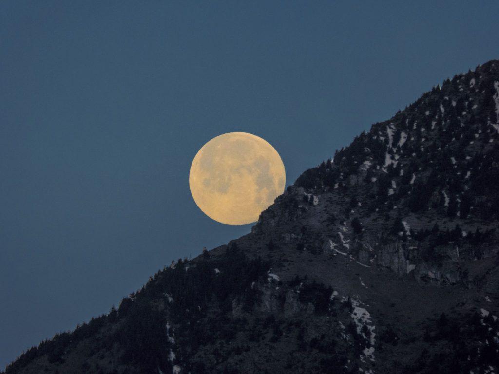 P13800651 1024x768 - Amanecer de Luna llena