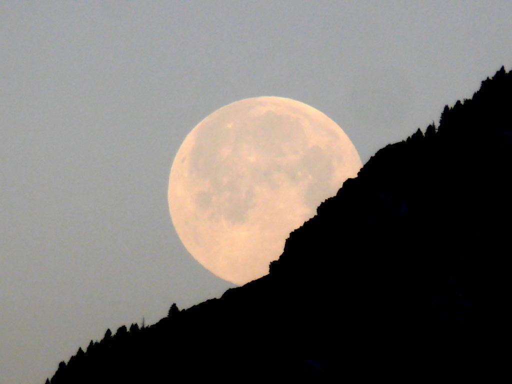 P1380068 1024x768 - Amanecer de Luna llena