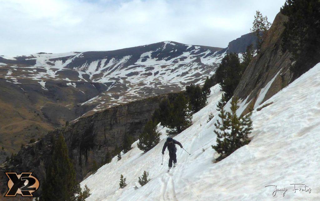 P1380303 1024x645 - Tocaba esquiar en Ardonés