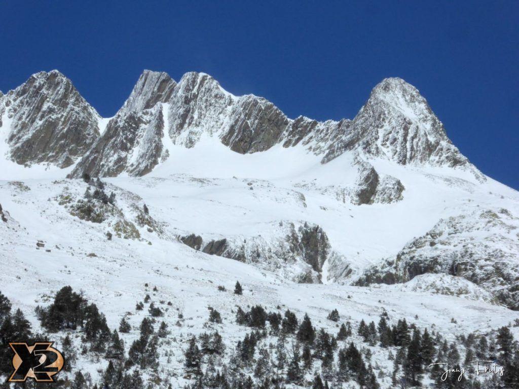 P1380437 1024x768 - Cimas Valle de Benasque nevadas.