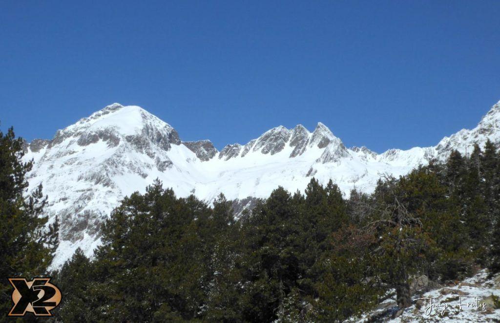 P1380442 1024x661 - Cimas Valle de Benasque nevadas.