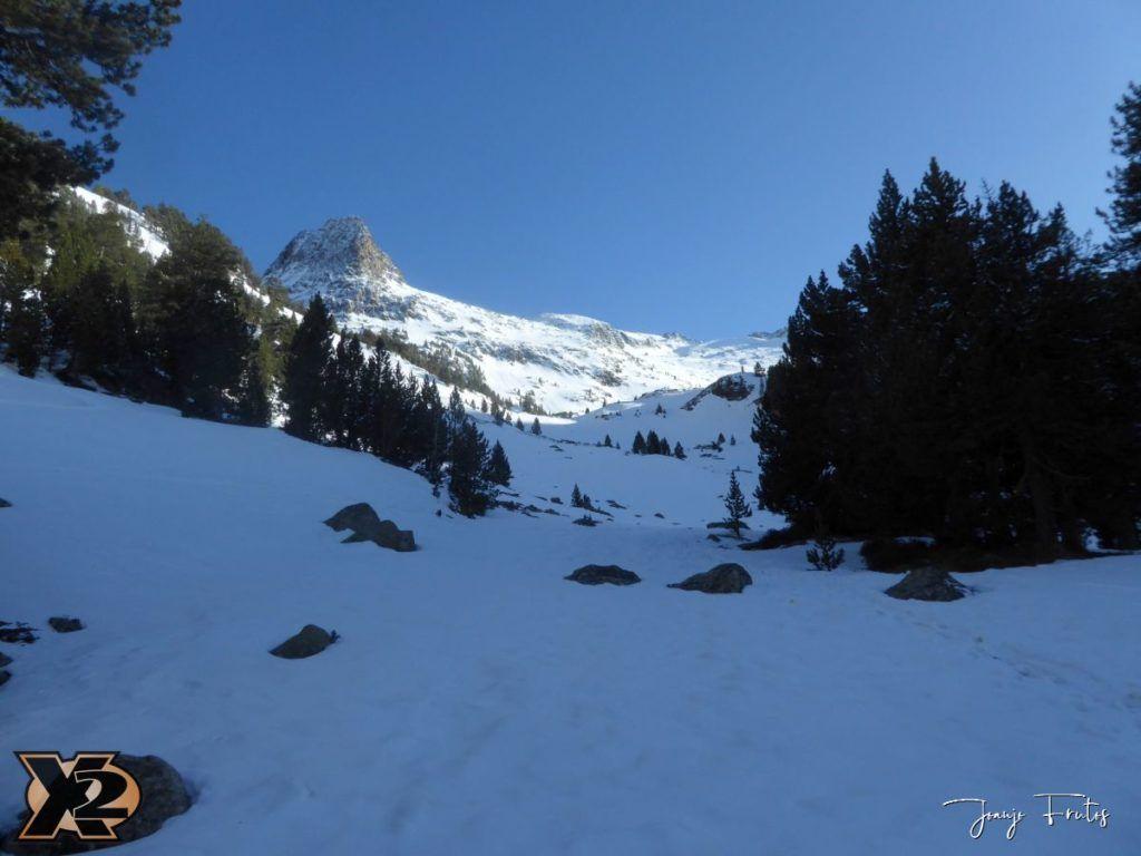 P1380501 1024x768 - Maladeta con nieve polvo.