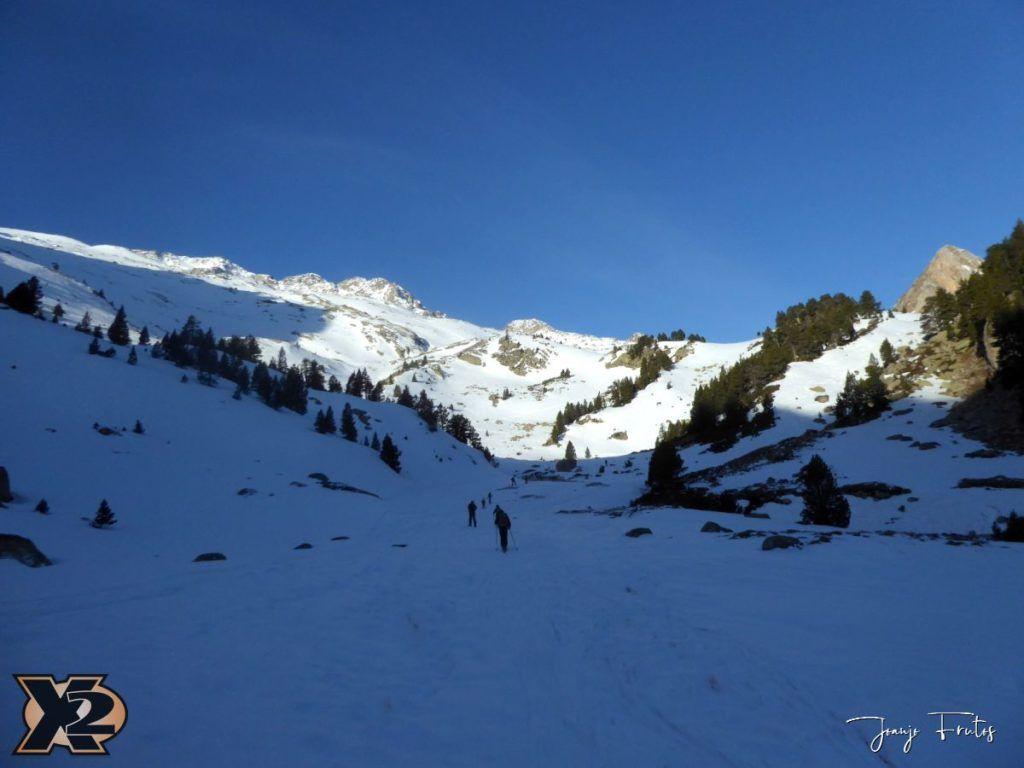 P1380516 1024x768 - Maladeta con nieve polvo.