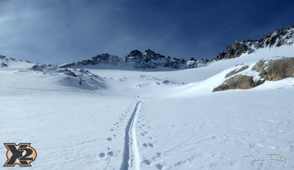 P1380554 1024x594 - Maladeta con nieve polvo.