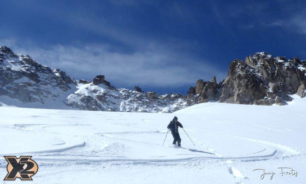 P1380594 1024x617 - Maladeta con nieve polvo.