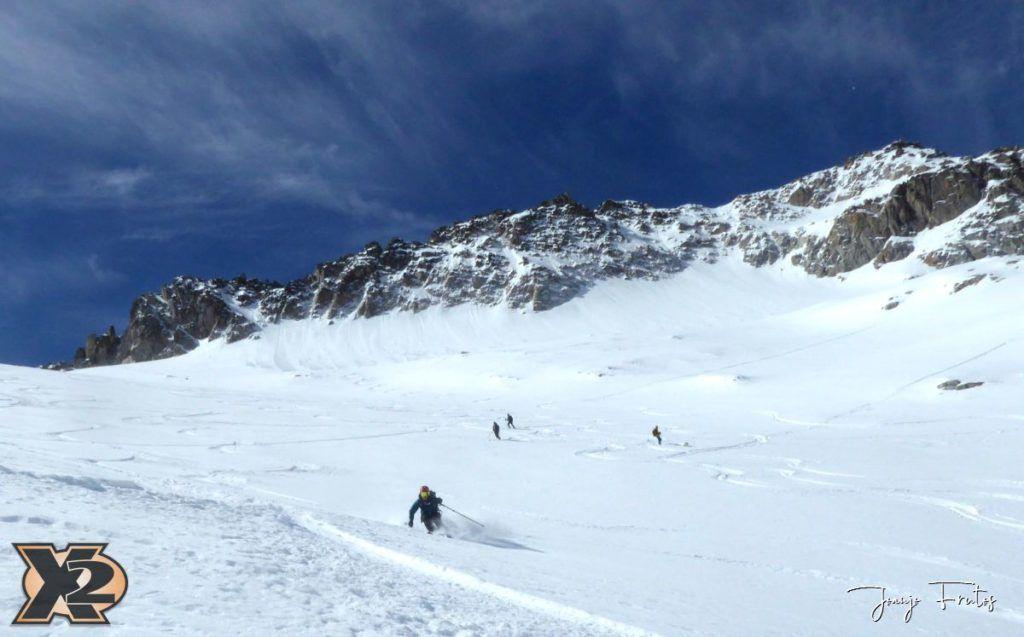 P1380610 1024x637 - Maladeta con nieve polvo.