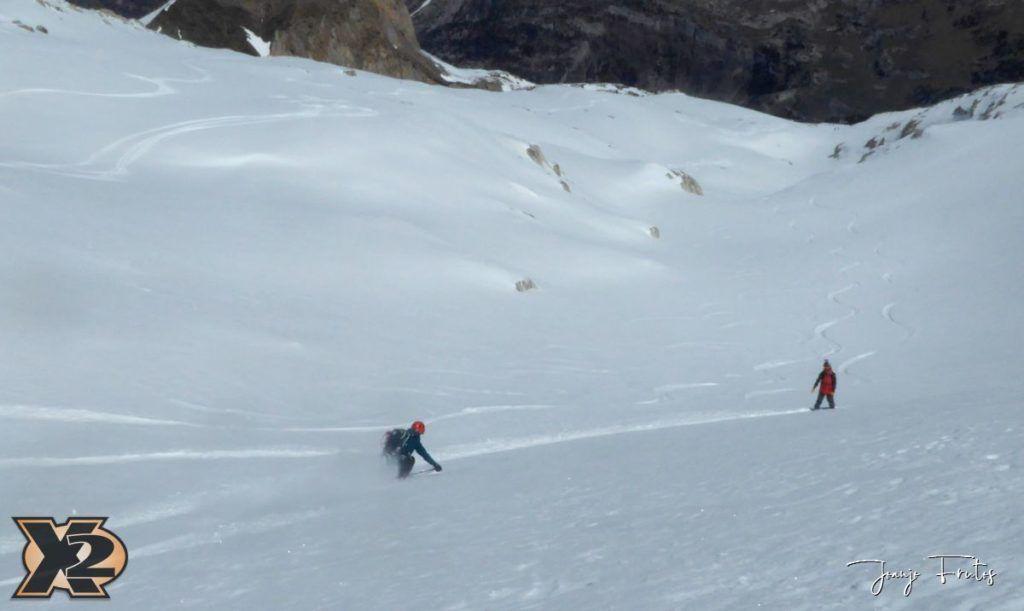 P1380614 1024x611 - Maladeta con nieve polvo.