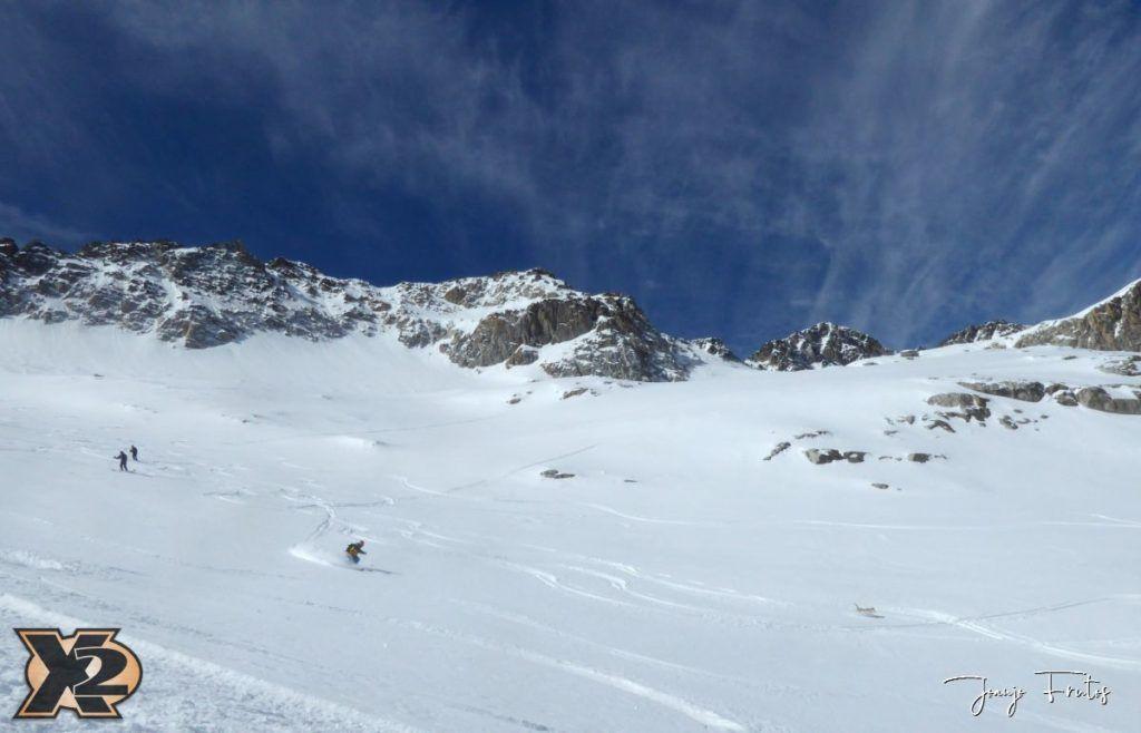 P1380615 1024x658 - Maladeta con nieve polvo.