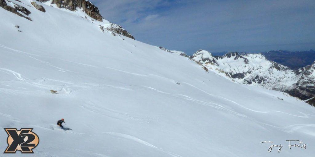 P1380618 1024x511 - Maladeta con nieve polvo.