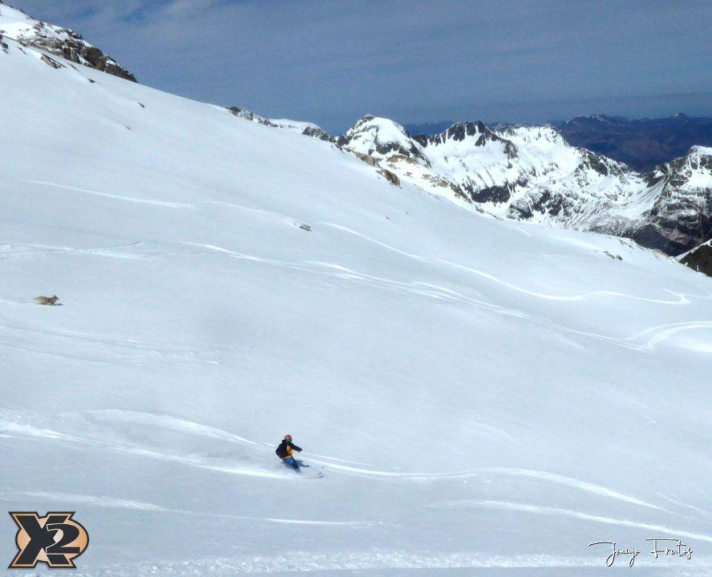 P1380619 1024x830 - Maladeta con nieve polvo.