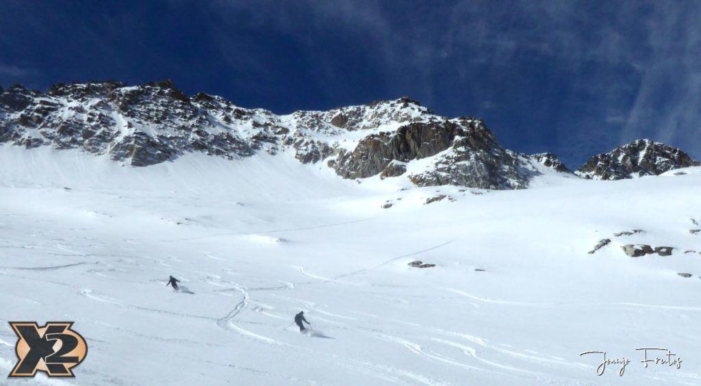 P1380623 1024x564 - Maladeta con nieve polvo.