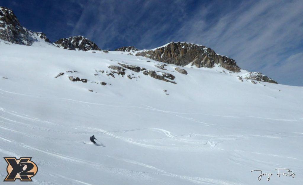 P1380626 1024x627 - Maladeta con nieve polvo.
