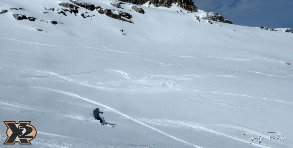 P1380631 1024x518 - Maladeta con nieve polvo.