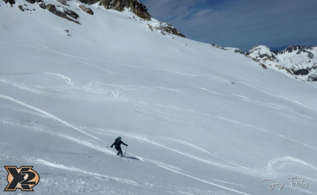 P1380632 1024x631 - Maladeta con nieve polvo.